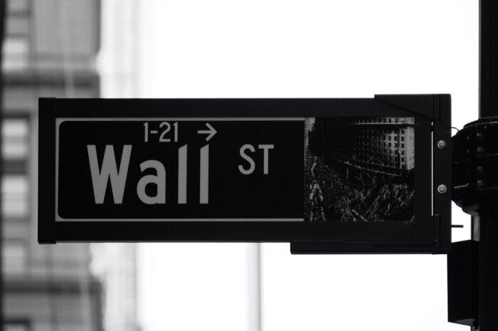 Burzy slouží k nákupu a prodeji investičních nástrojů