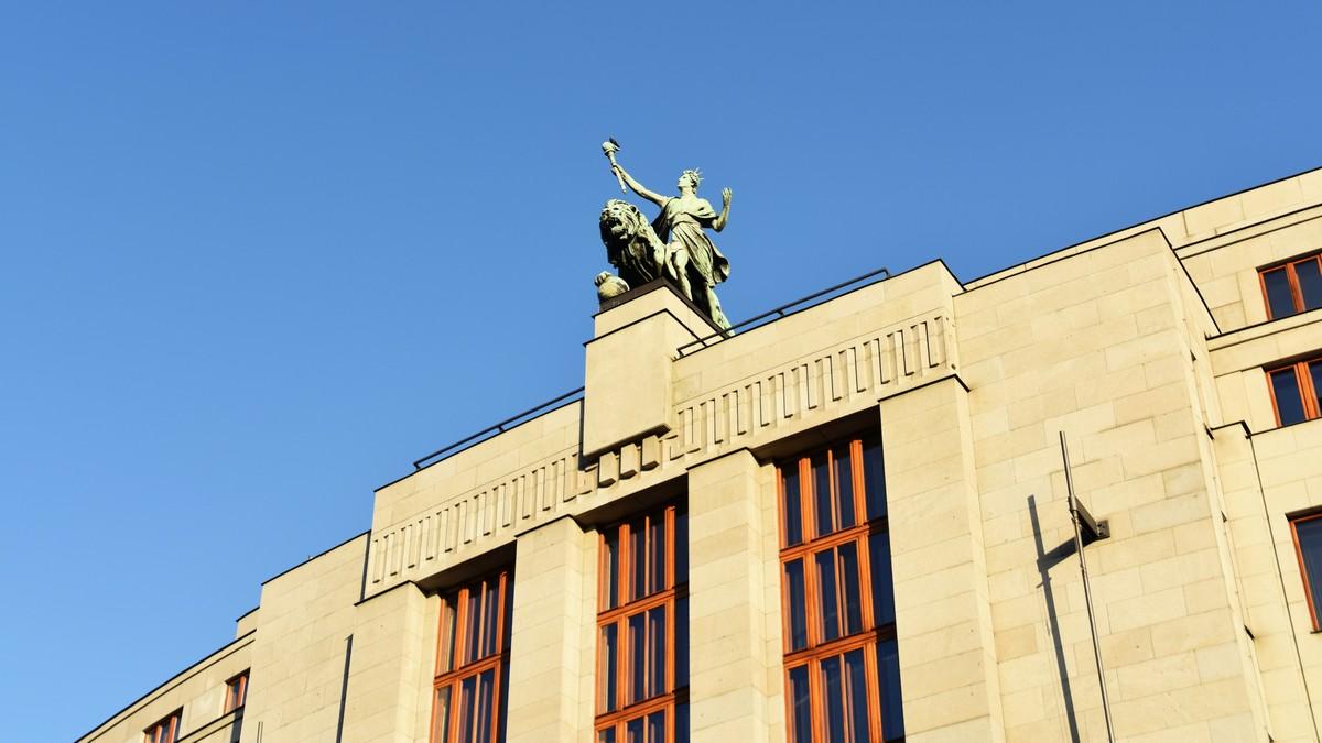 Česká národní banka zachycená na fotografii.