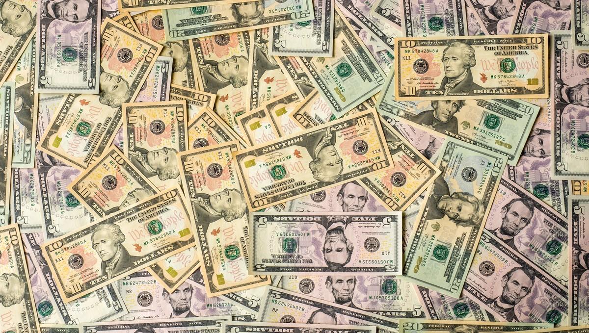 Spousta peněz představuje státní rozpočet Česka.